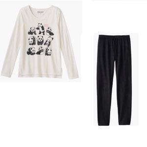 Cute Mudd Panda Tee and Black Leggings 16
